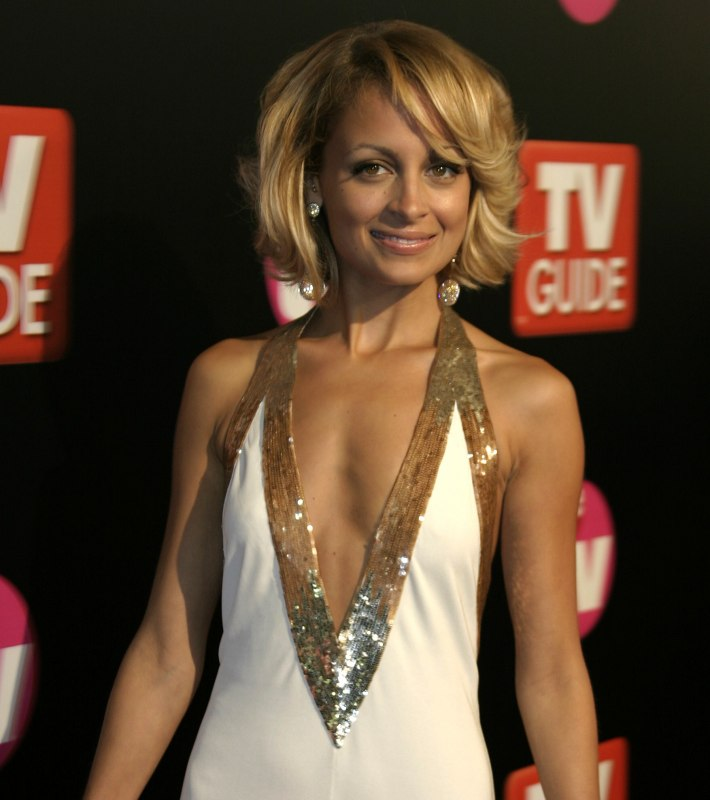 Cut Hair Like Nicole Richie S With A Round Face Shape