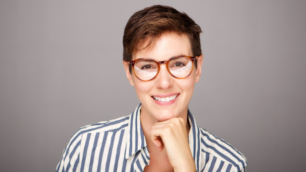 Super Professional Short Hair To Draw Attention To Fashionable Glasses Short Hairstyles For Black Women Fulllsitofus