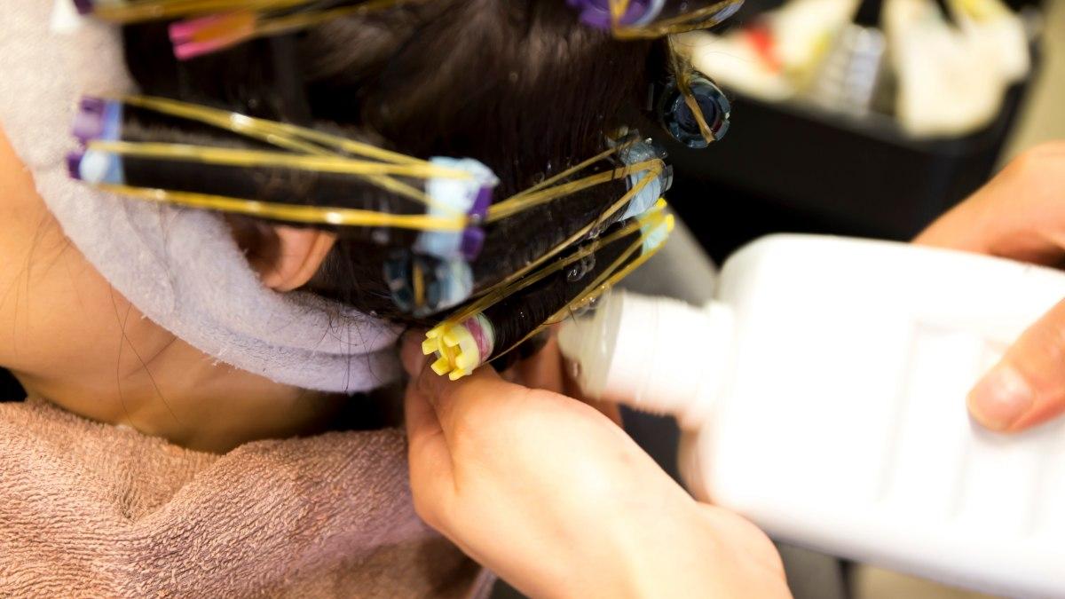neutralizer lotion  put   hair   acid home perm