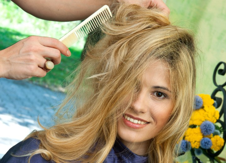 How To Make The Bottom Layers Of A Haircut Flip Out