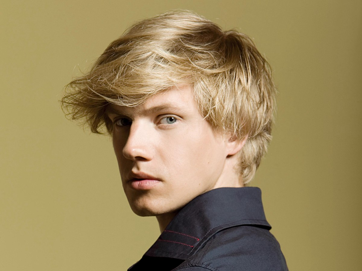 How To Make Short Hair Wavy When You Are A Man And When It Touches