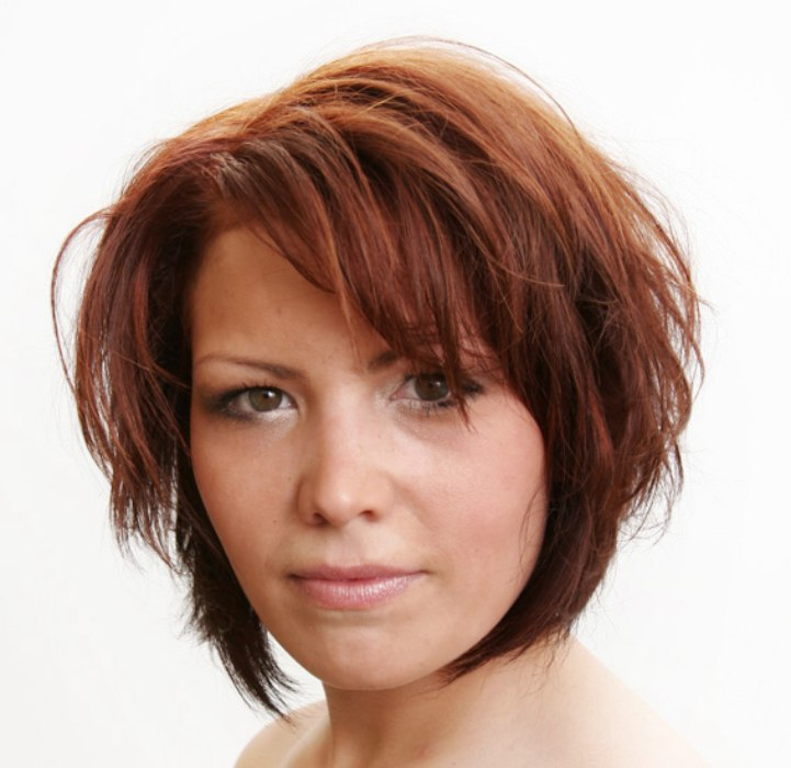 medium hairstyles easy to maintain and easy to maintain hairstyle with a combination of