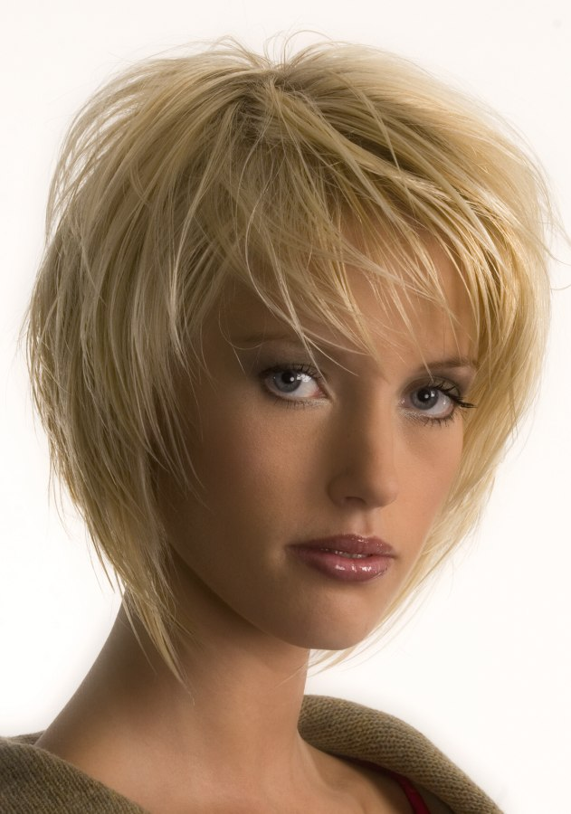 Flattering Short Hairstyle With Textured Layers That Frame