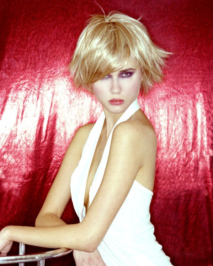 Pleasant Wild Bob Hairstyle For Fine Hair And A Narrow Or Heart Shaped Face Short Hairstyles Gunalazisus