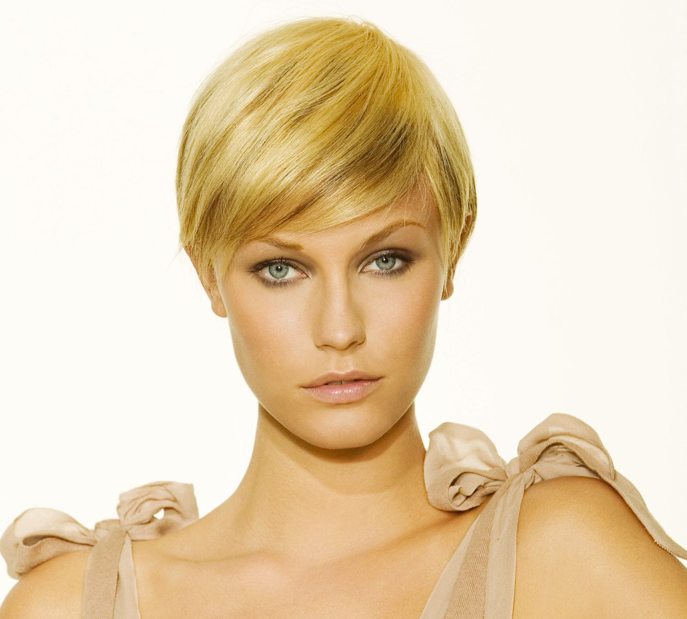 Surprising Short Hairstyle With The Length Just Reaching The Ear Short Hairstyles For Black Women Fulllsitofus