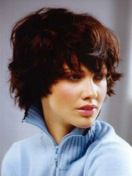 Short Choppy Hairstyle For Wavy Coarse Hair