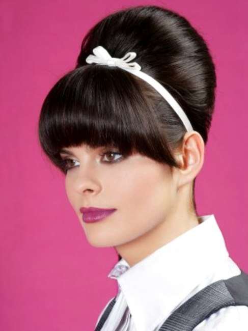 Girly Retro 60s Up Style With A Hair Band