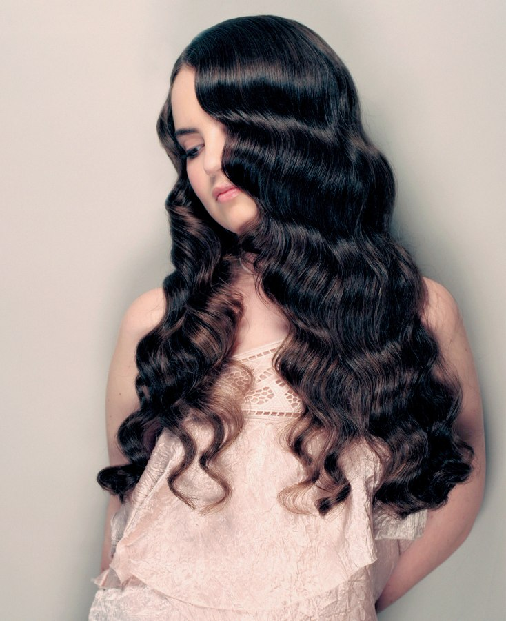 Long Hair With Tapered Ends And Retro Waves