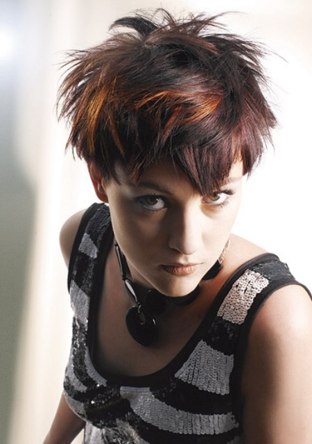 New Short Hairstyle With Different Lengths And Play Of Colors