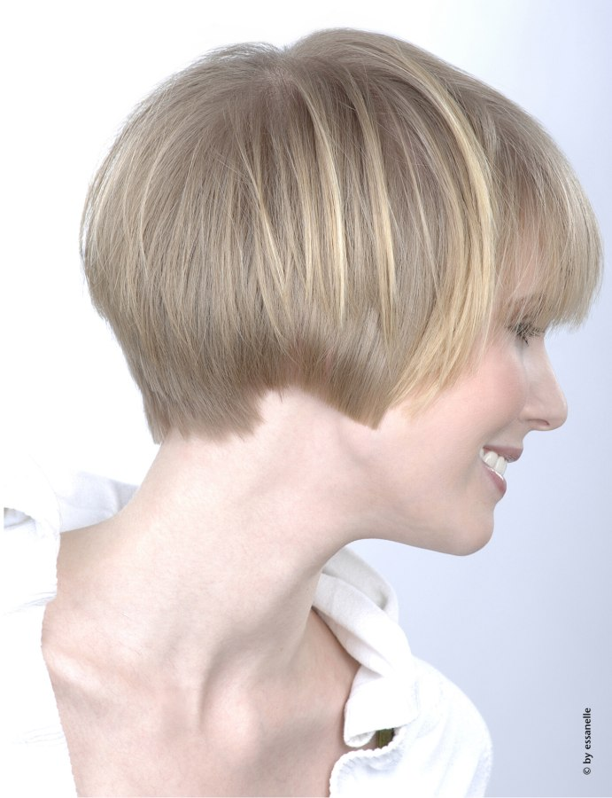 side view of an ear length hairstyle for women