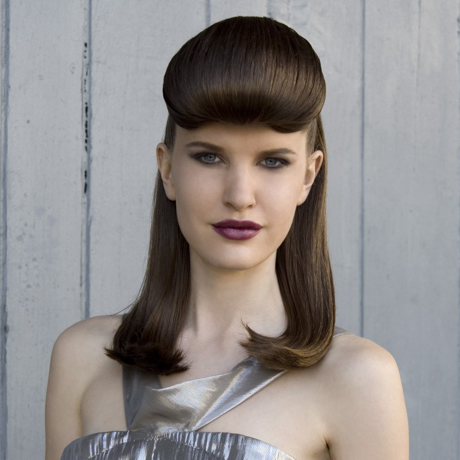 1940s Vintage Hairstyle With A Rolled Fringe