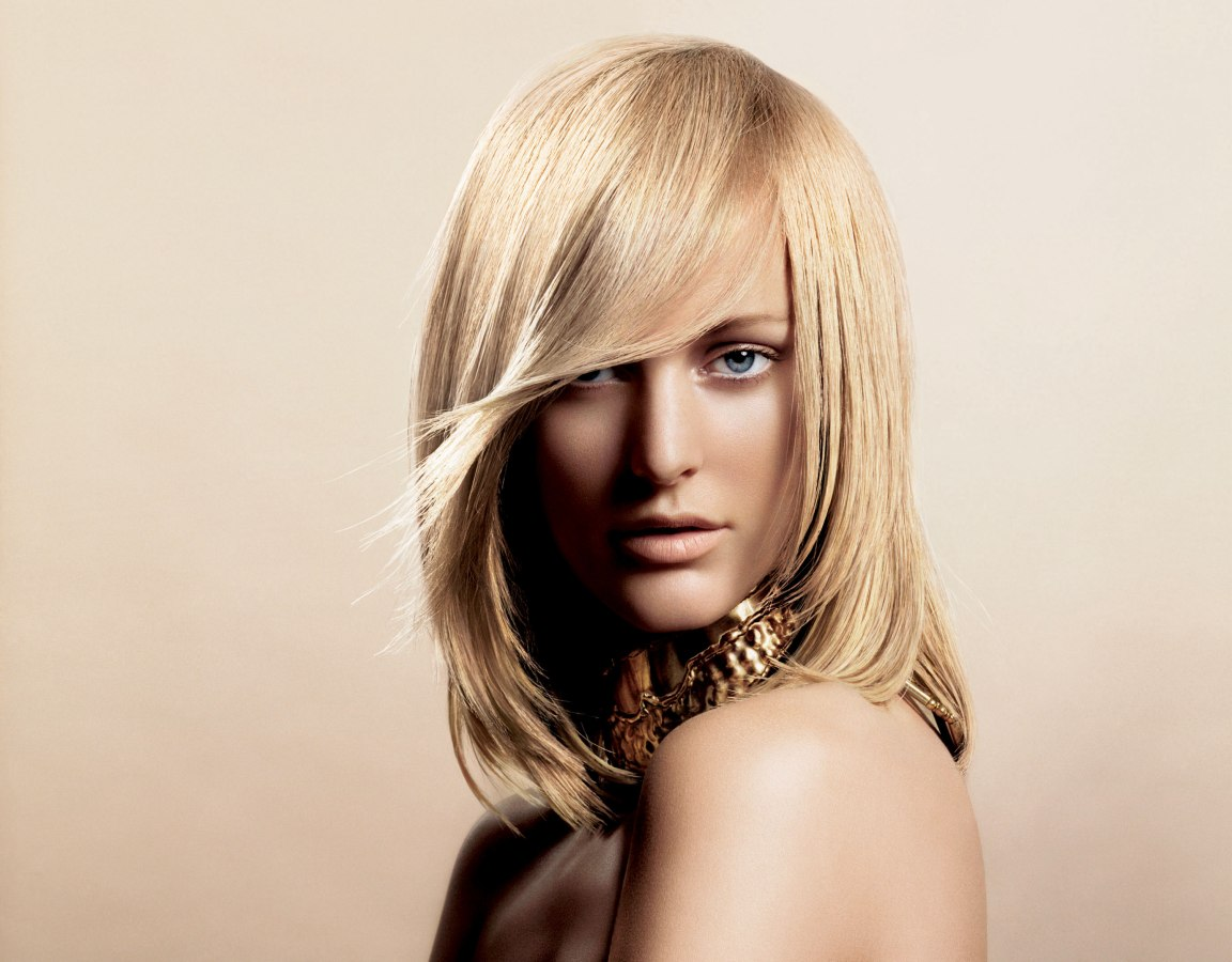 Medium Hairstyles: L'Oréal Color Hairstyles With Fluid Movement And Soft Shapes
