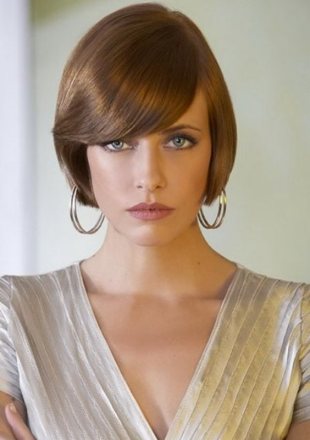 Tapered Bob Hairstyle With Gentle Hair Color Nuances