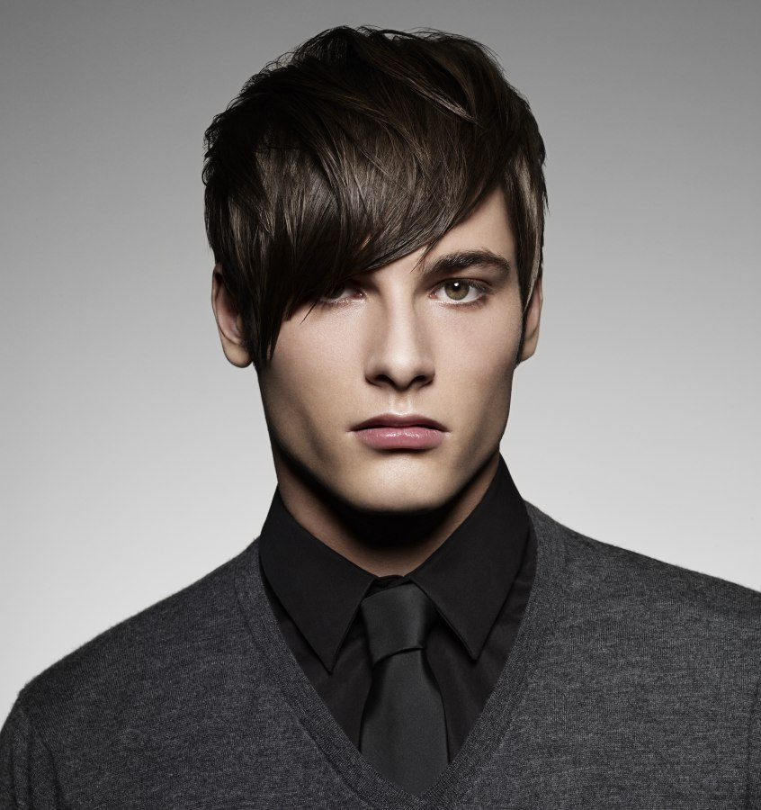 Elegant Menu0027s Haircut With A Boyish Vibe Menu0027s Hairstyle With Diagonal Bangs ...