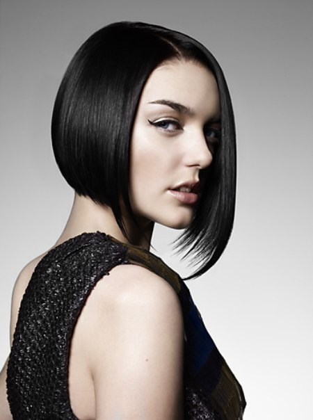 Fine Fashion Bob Hairstyle With An Asymmetrical Shape And A Short Neck Short Hairstyles Gunalazisus