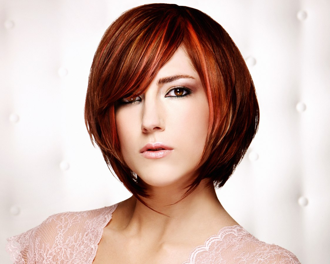 Modern short bob haircut with strands that accentuate the neck