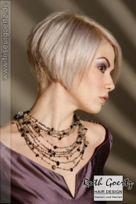 Short Hairstyle With A Clipped Nape To Expose A Beautiful