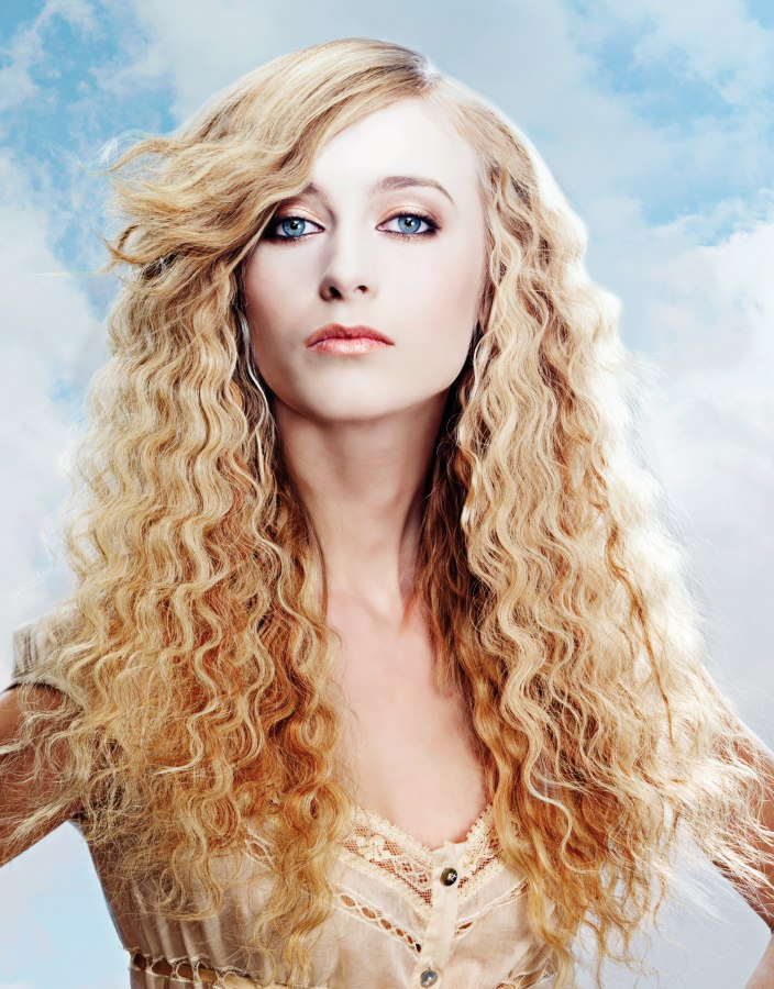 Long Blonde Hair With Waves And Warm And Cold Shades