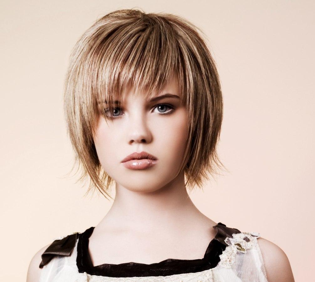 Фото причёсок на короткие волосы чёлкой