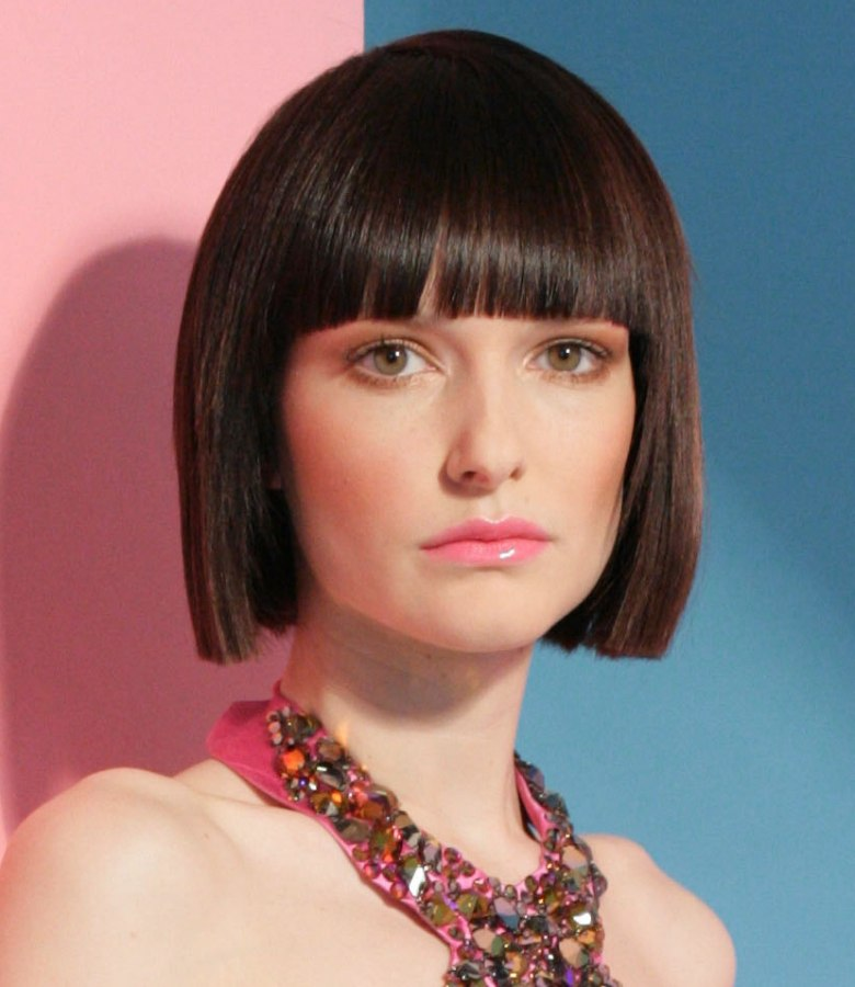 Awesome Classic Bob Hairstyle With Blunt Squared Ends And A Horizontal Fringe Short Hairstyles Gunalazisus