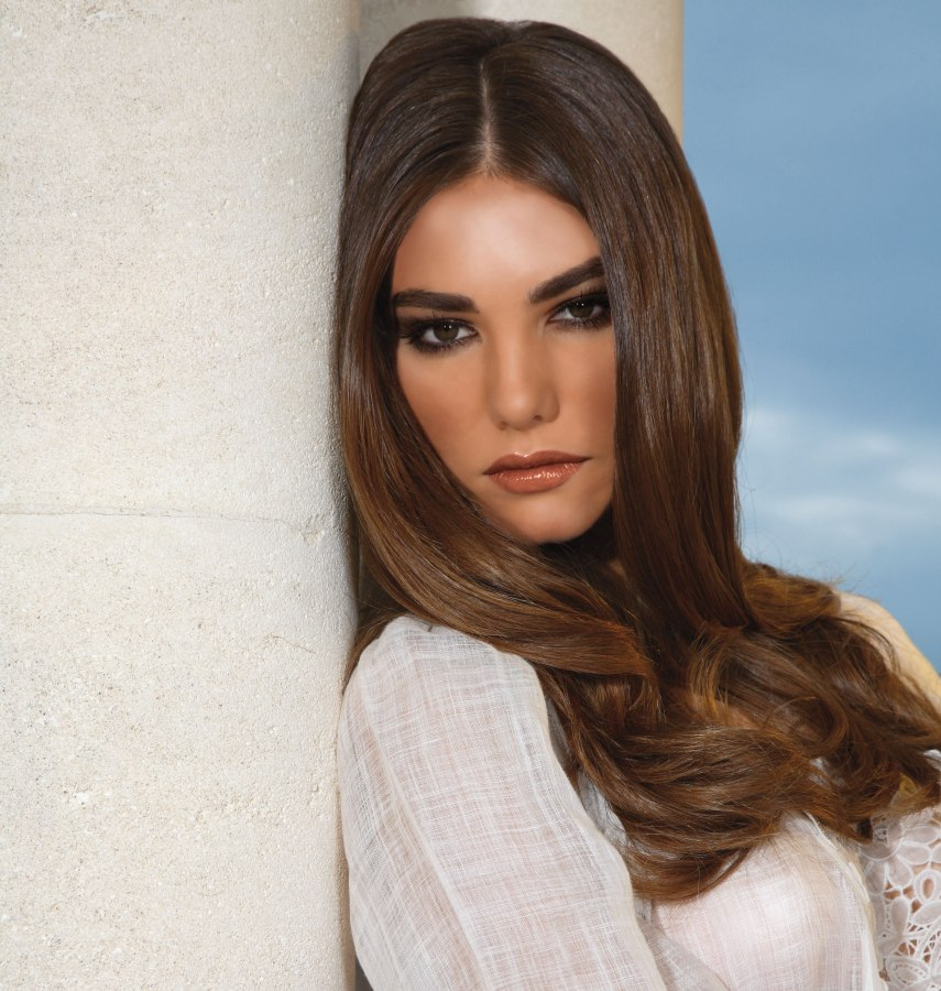 Marvelous Long Blunt Cut Hair With Blow Drying For A Gently Curving Hairstyle Short Hairstyles Gunalazisus