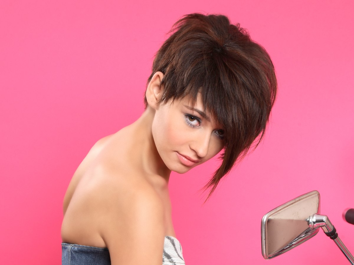Pixie Cut With A Long Exaggerated Forelock And Razor Cut