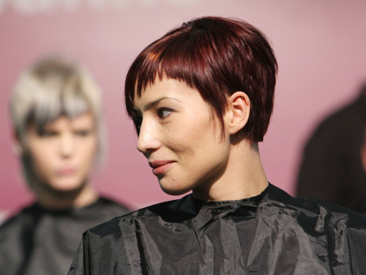 Practical And Versatile Short Haircut For Women