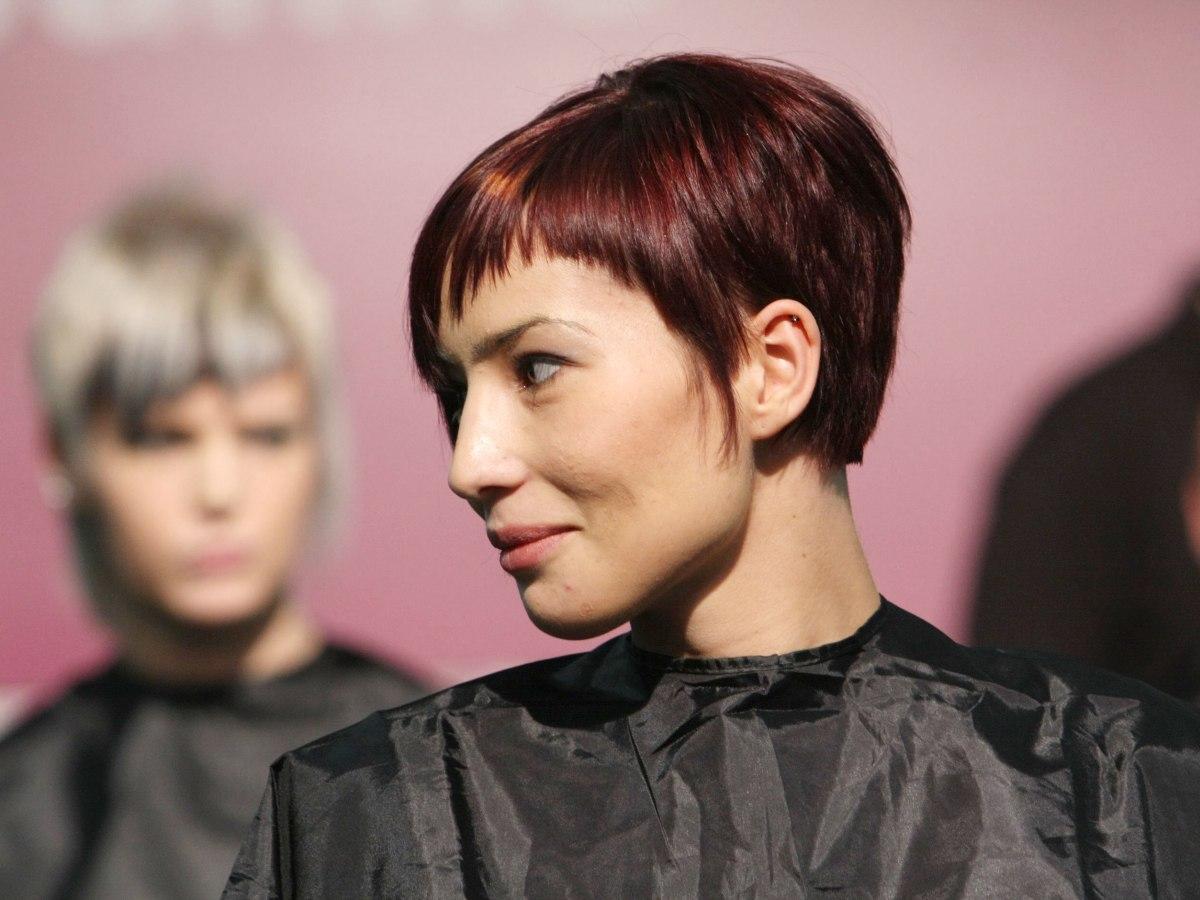 Practical And Versatile Short Haircut For Women
