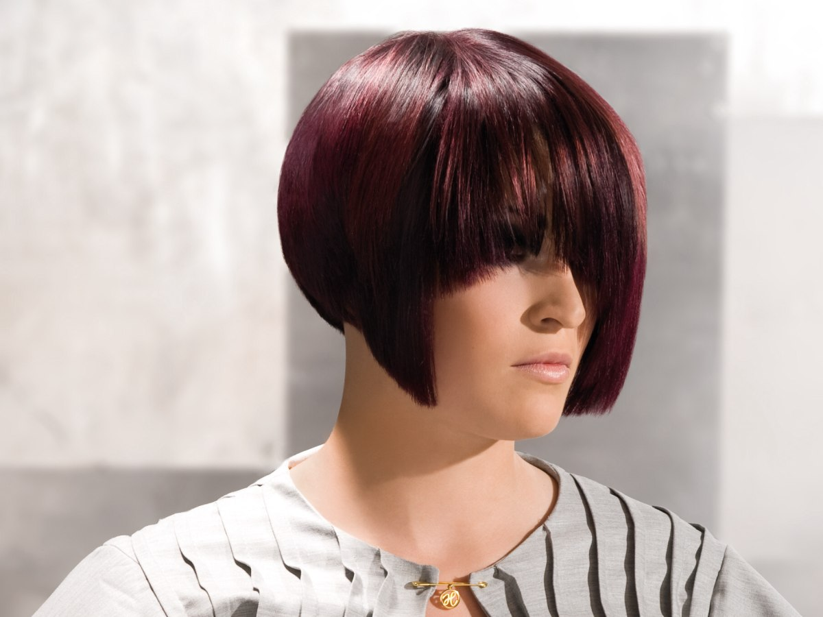 Trendy Cut With A Smooth Neck And A Steep Angled Line