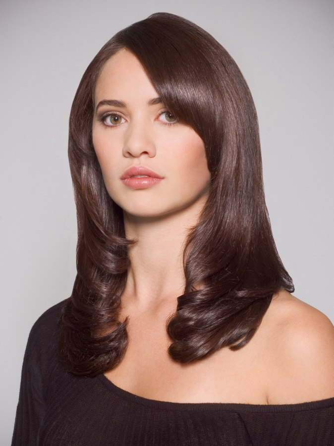 style layered hair angled layer hairstyle hairstylegalleries 3824