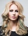 blonde hair with green streaks
