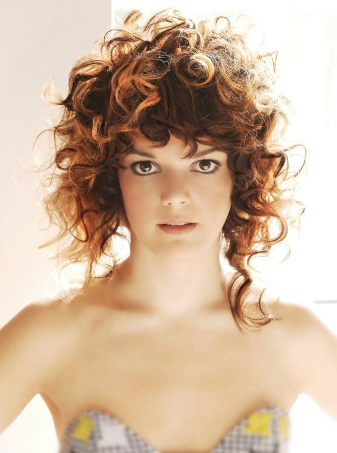 Asymmetrical curly hair with round curls and spiraled curls asymmetrical haircut with curls winobraniefo Choice Image