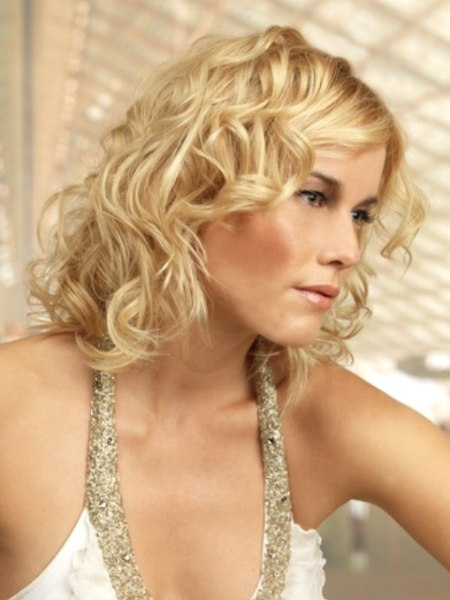 medium long blonde hair style with curls