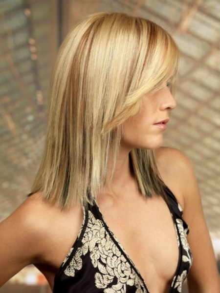 long blonde hair with streaks and a smooth surface