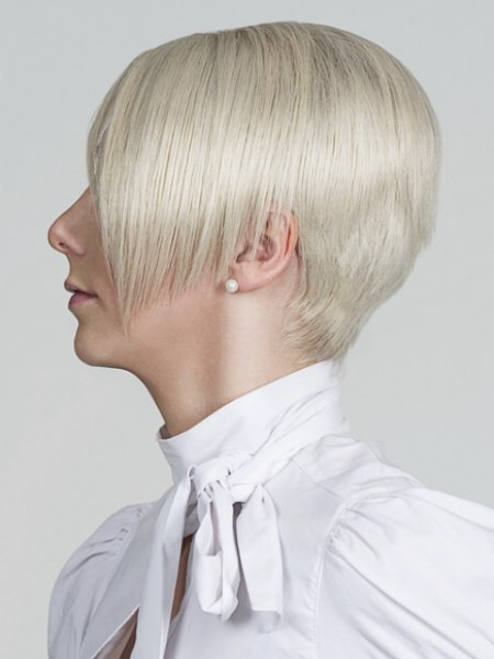 razor cut stacked bob
