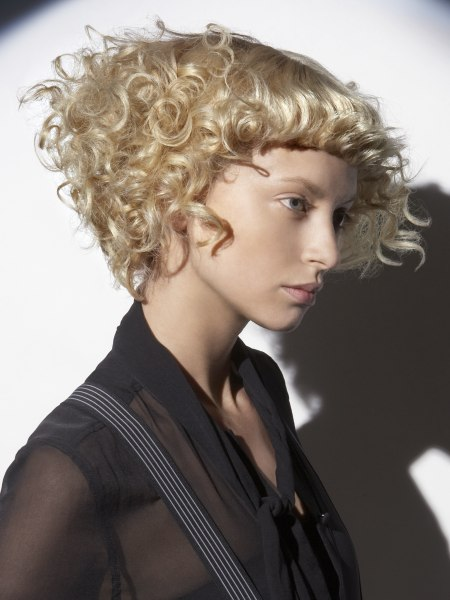 short hairdo with curls