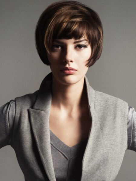 short bob haircut to bring focus to the eyes and cheekbones