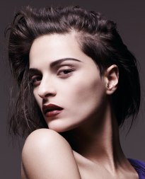 hairstyle to reveial intense make-up