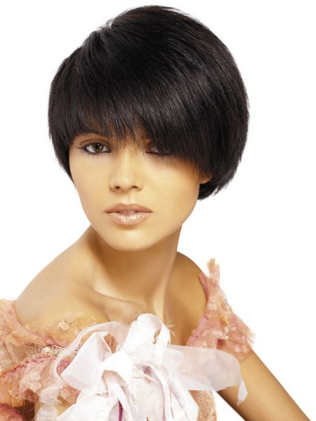 Malwina Ratajczak - short hair with a curved fringe