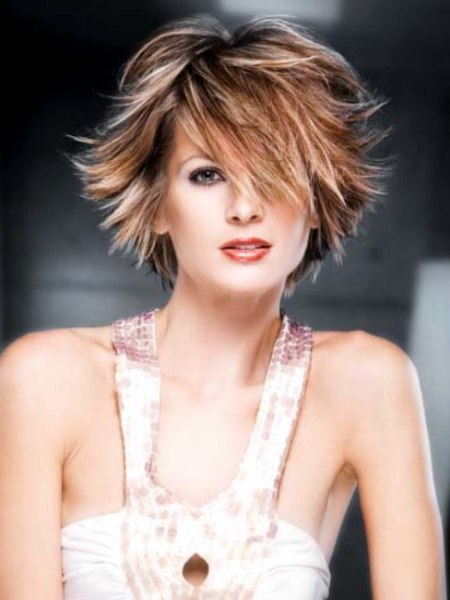 short layered trend haircut