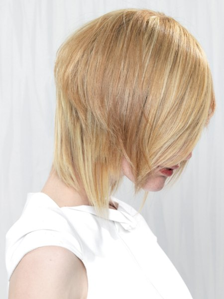 forward angled hairstyle