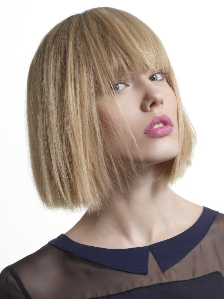 Hair cut with the perfect length to reveal collars
