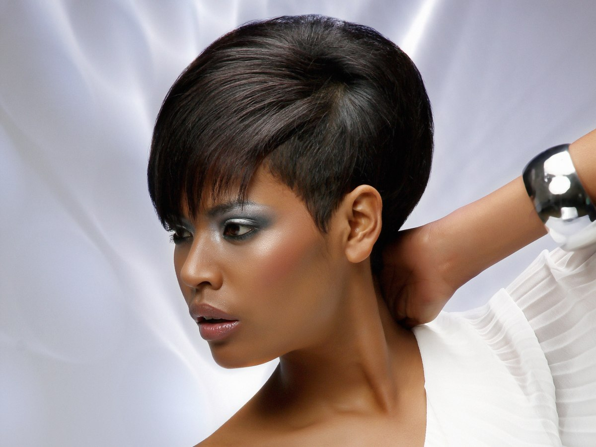Astounding Short Hair In Harmony With The Face Neck And Head Short Hairstyles Gunalazisus