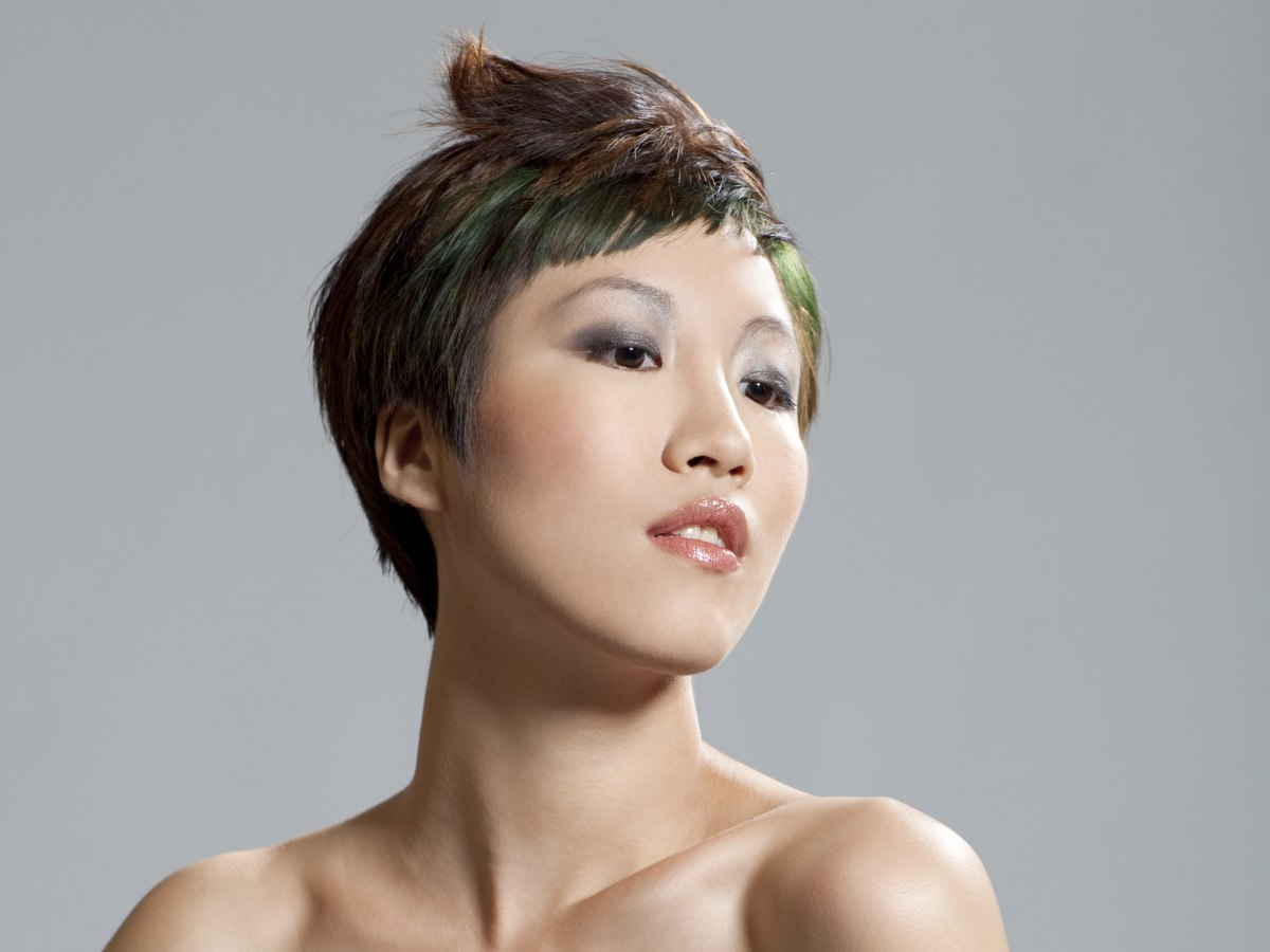 Unique Short Hairstyles: Short Hairstyle With A Dramatic Shape And Green Hair Coloring