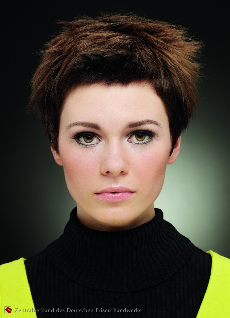 Model with fluffy short hair