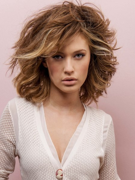 Low maintenance hairstyle for thick shoulder length hair