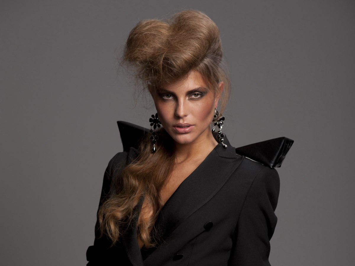 Hairstyles To Show Your Sensual Sophisticated And Fashionably