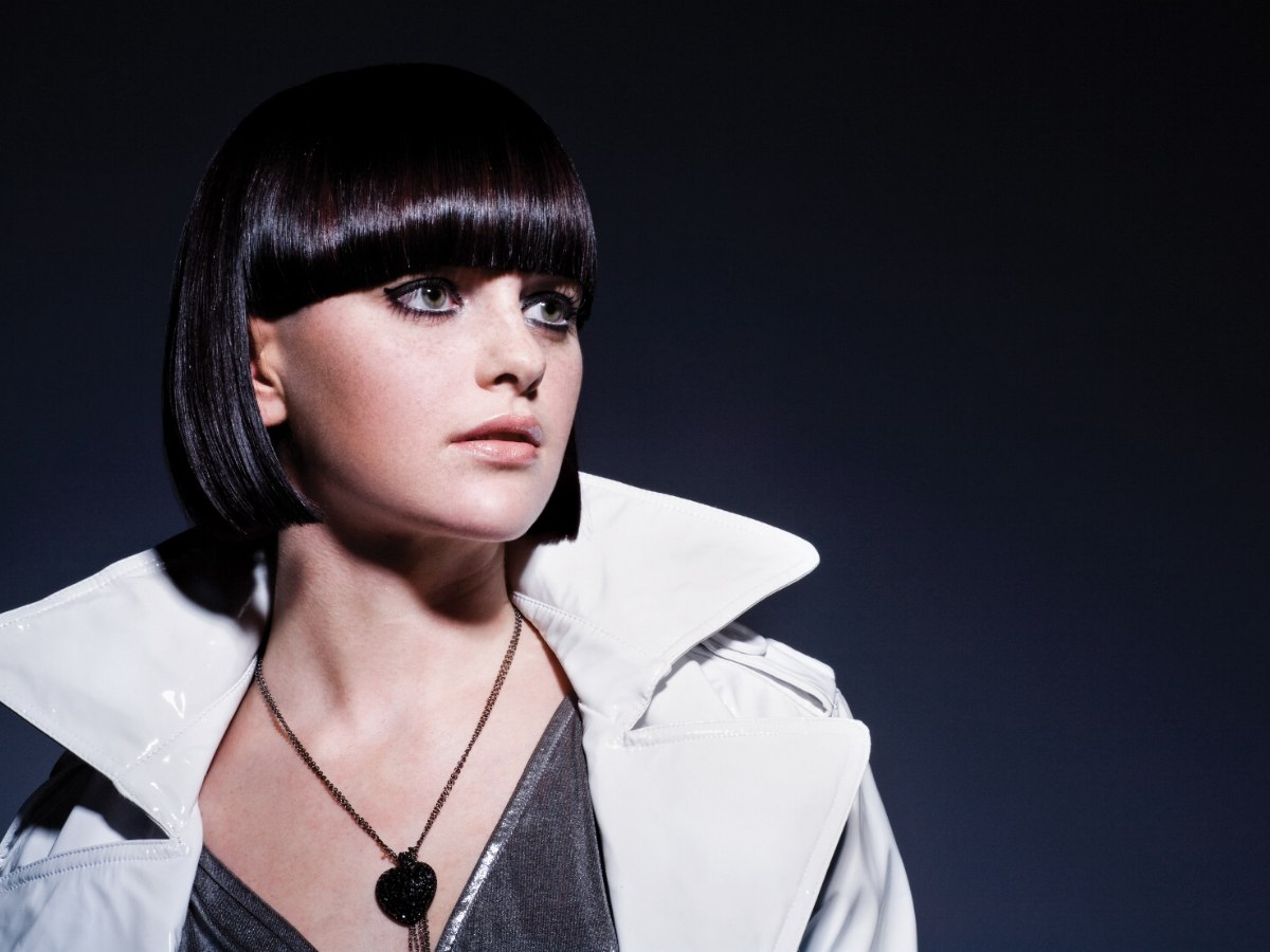 Elegant Jaw Length Bob With An Extra Wide Fringe