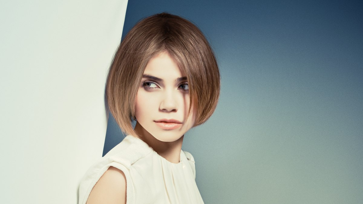 Light Chin Length Bob With Lift On The Hair Roots