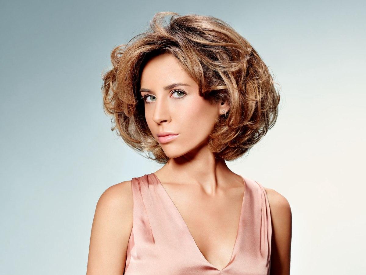 Enjoyable Short Layered Hairstyle With Volume Movement And Body Short Hairstyles Gunalazisus